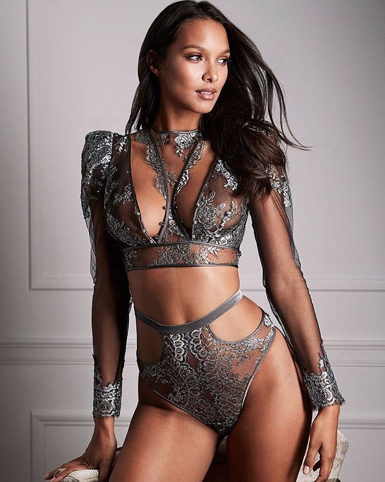 Lais Ribeiro is a model that appeared in Bruno Mars 24K Magic The Victorias Secret Angels Lip Sync