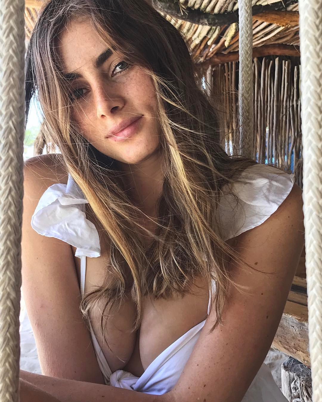 Laura Henao is a model that appeared in J Balvin Ginza