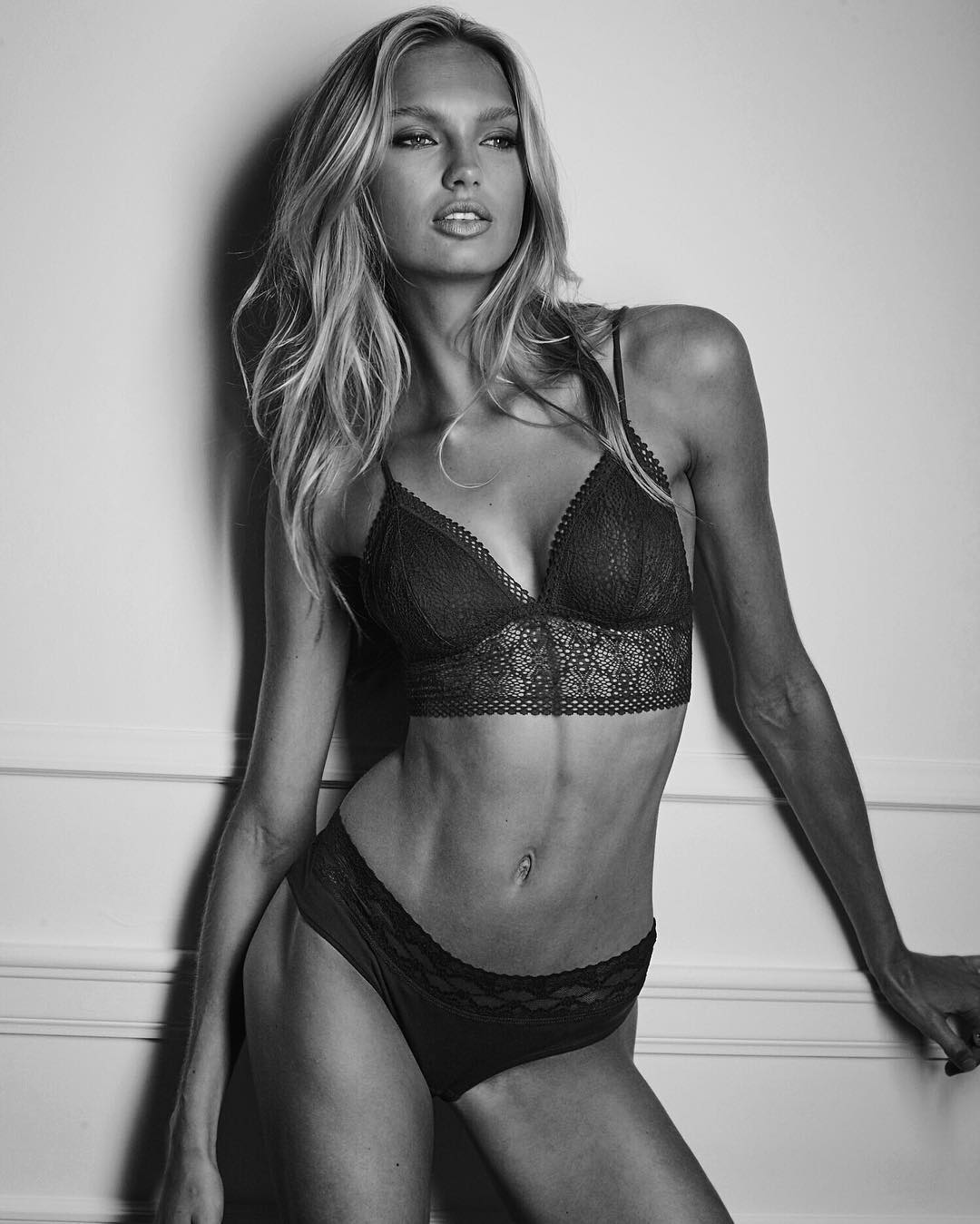 Romee Strijd is a model that appeared in Bruno Mars 24K Magic The Victorias Secret Angels Lip Sync