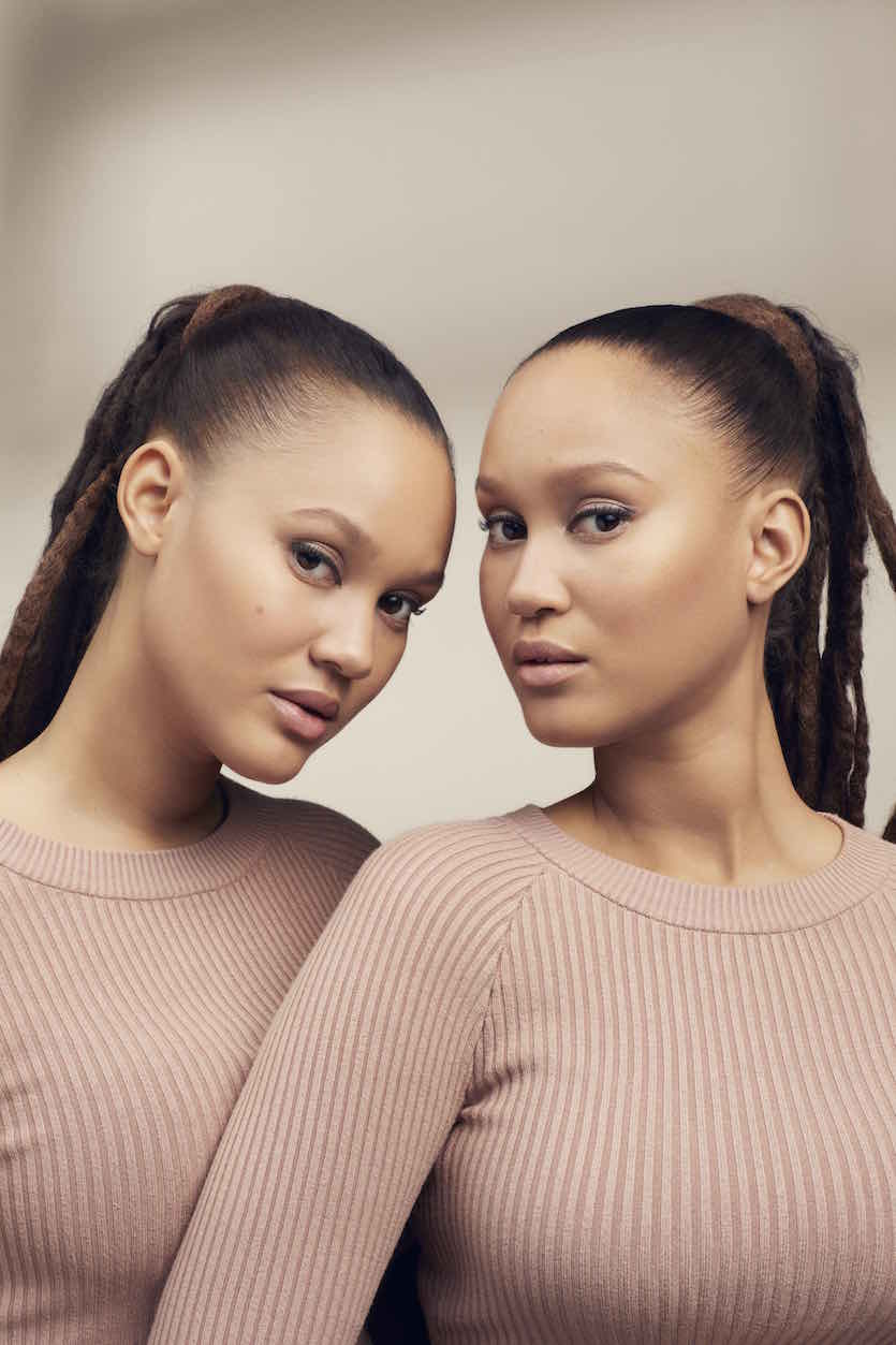 Elizabeth and Victoria Lejonhjarta is a model that appeared in Drake Nice For What