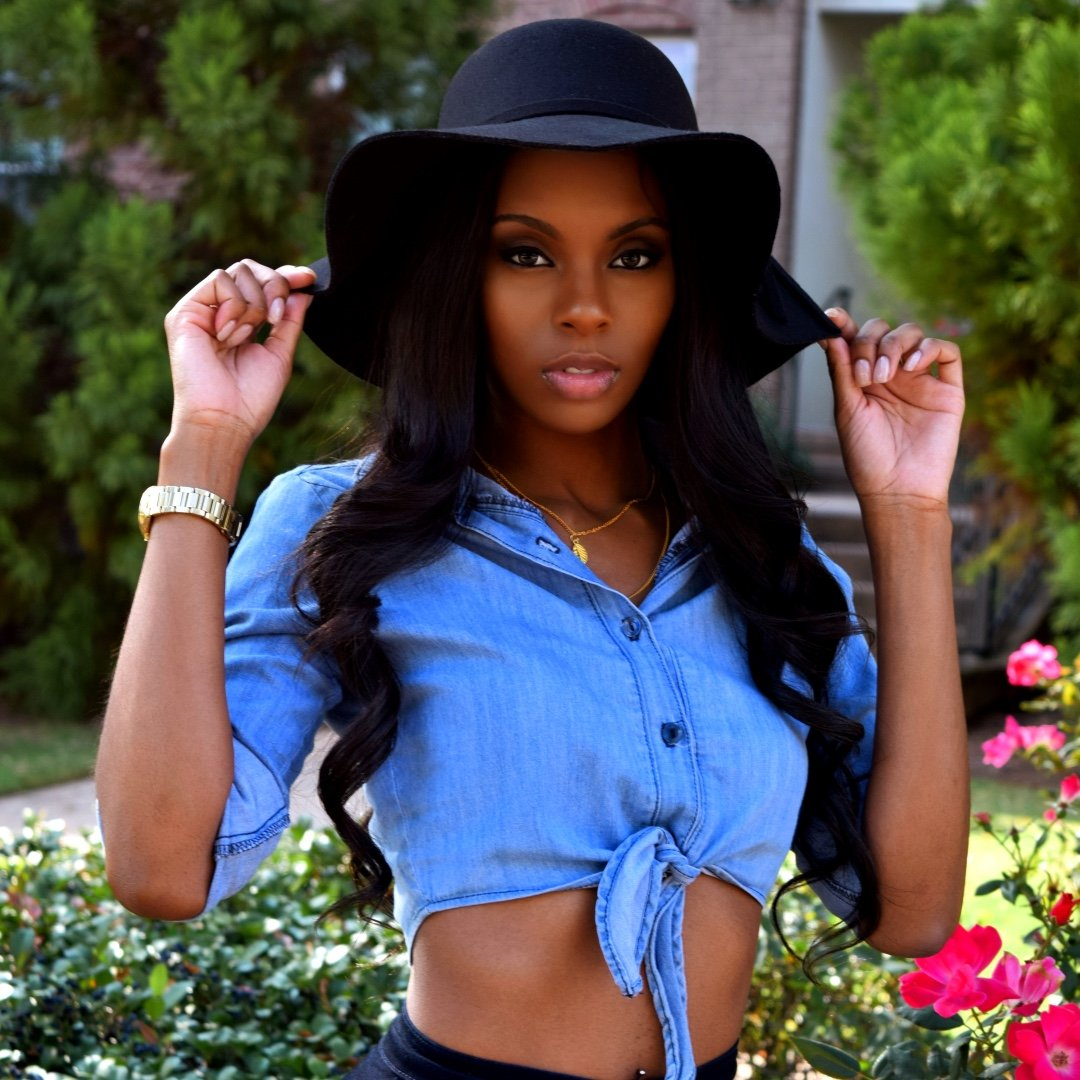 Shannon Pendergraph is a model that appeared in B o B 4 Lit ft TI and Ty Dolla Sign