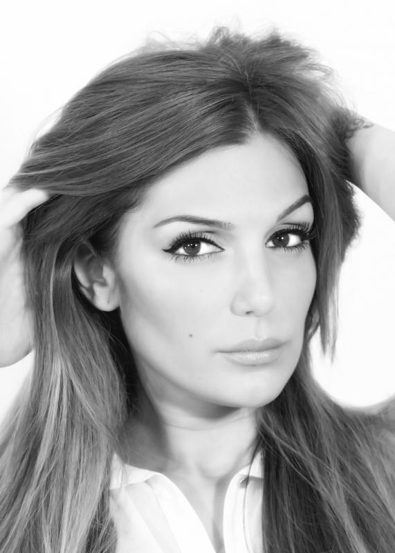 Katerina Themis is a model that appeared in Bilal Saeed Ft Roach Killa Lethal Combination