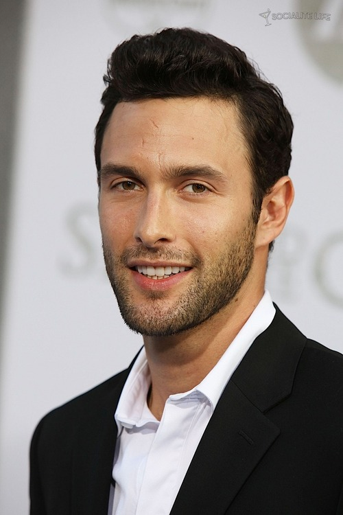 Noah Mills is a model that appeared in Taylor Swift We Are Never Ever Getting Back Together