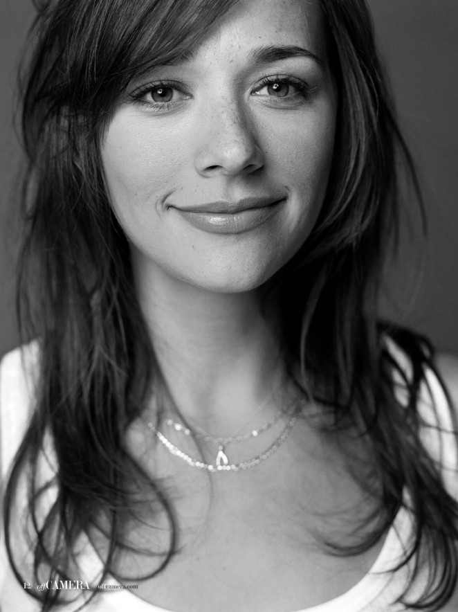 Rashida Jones is a model that appeared in Drake Nice For What