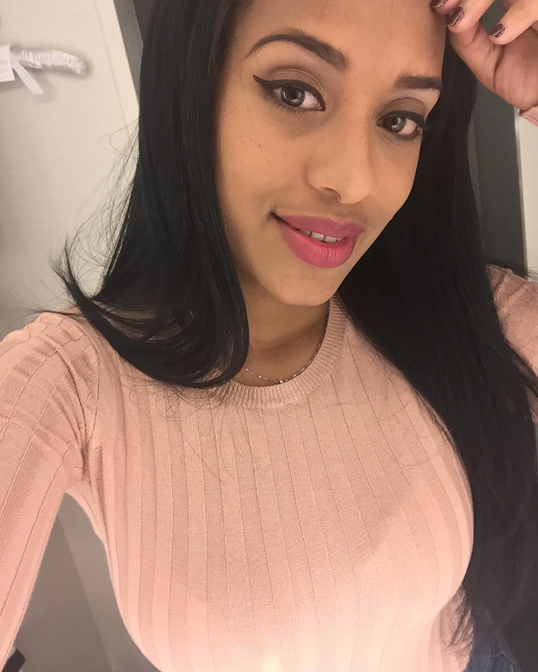 Shaquira Mendez is a model that appeared in French Montana ft Drake No Shopping
