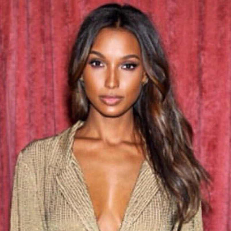 Jasmine Tookes is a model that appeared in Bruno Mars 24K Magic The Victorias Secret Angels Lip Sync