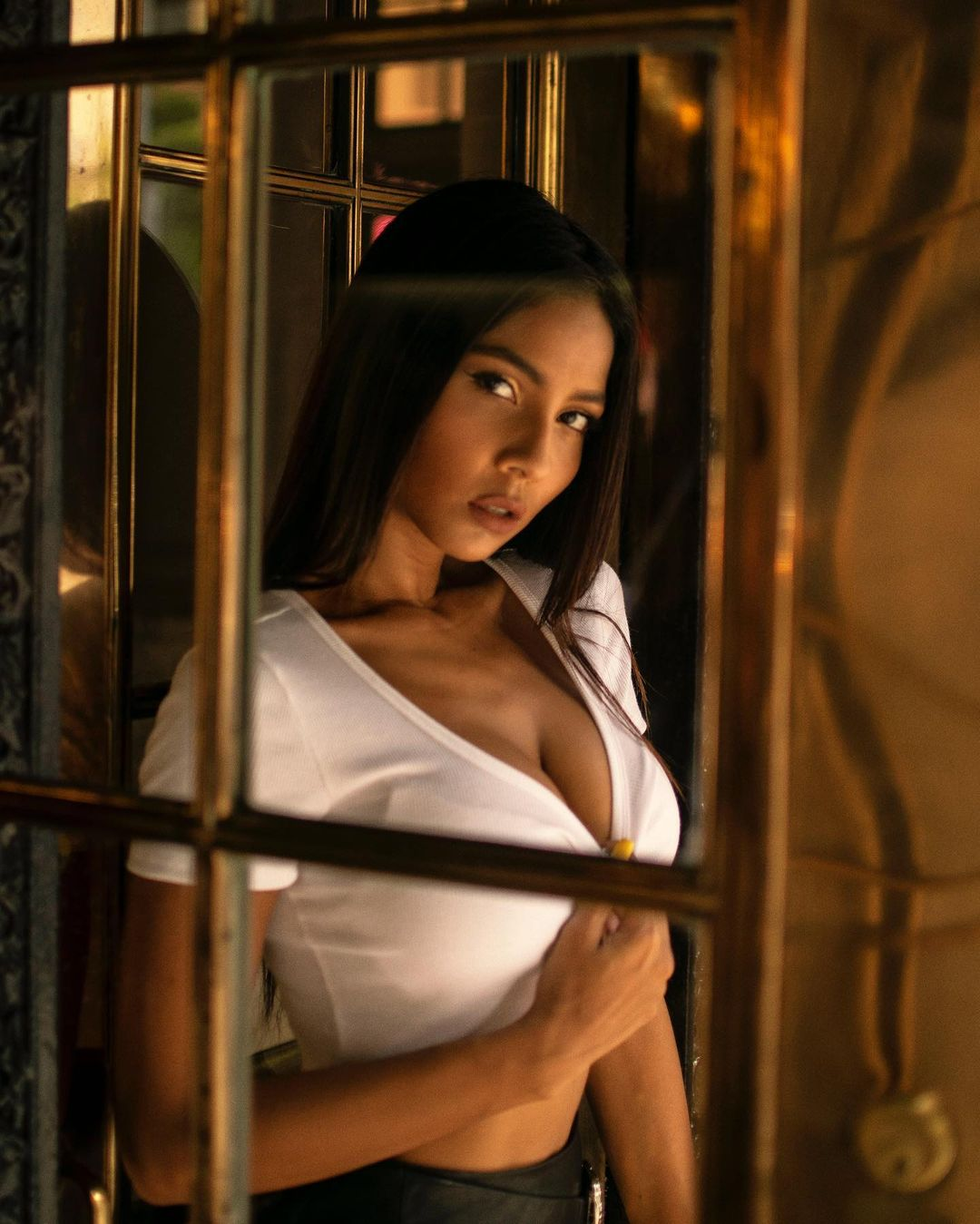 Maria Vicario is a model that appeared in Myke Towers and Rauw Alejandro and Lunay and Brytiago and Revol Fantasia Sexual